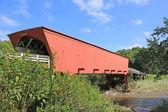 Roseman Bridge over Middle River — Stock Photo