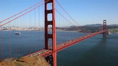 Traffic on Golden Gate Bridge — Stock Video