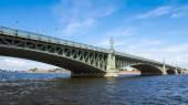 Trinity bridge across the Neva, St. Petersburg — Stock Photo
