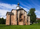 Church of St. Parasceva the Friday on the Marketplace was built  — Stock Photo