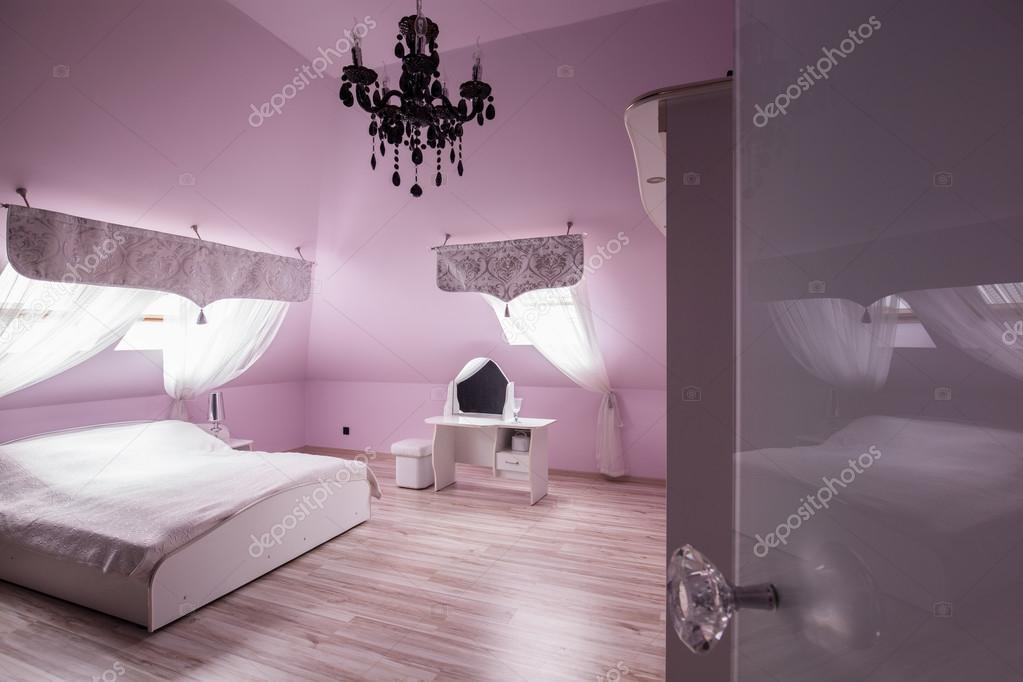 Camera da letto diamante rosa — foto stock © photographee.eu ...