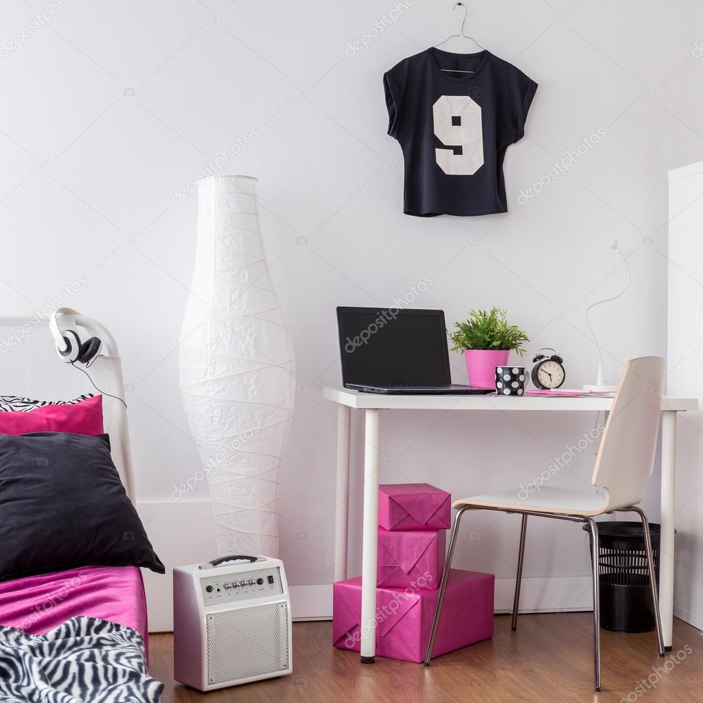 Detta rum är sÃ¥ girly — stockfotografi © photographee.eu #113695676