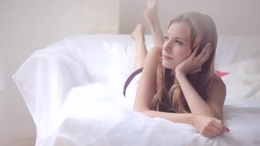 Woman spending morning in bed — Stock Video