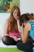 Adolescent girl tell about expecting a baby — Stock Photo
