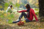 Romantic afternoon in the park — Stock Photo