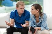 Financial problem in young marriage — Stock Photo