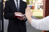 Jehovah's witness wants to evangelize — Stock Photo