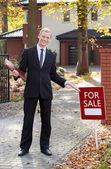 Smiling real estate broker — Stock Photo
