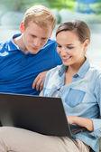 Man woman and laptop — Foto de Stock