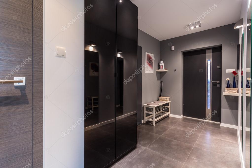 szary przedpok j w nowoczesne mieszkania zdj cie stockowe 59131703. Black Bedroom Furniture Sets. Home Design Ideas