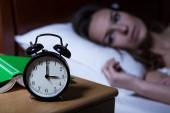 Alarm clock showing 3 a.m. — Stock Photo