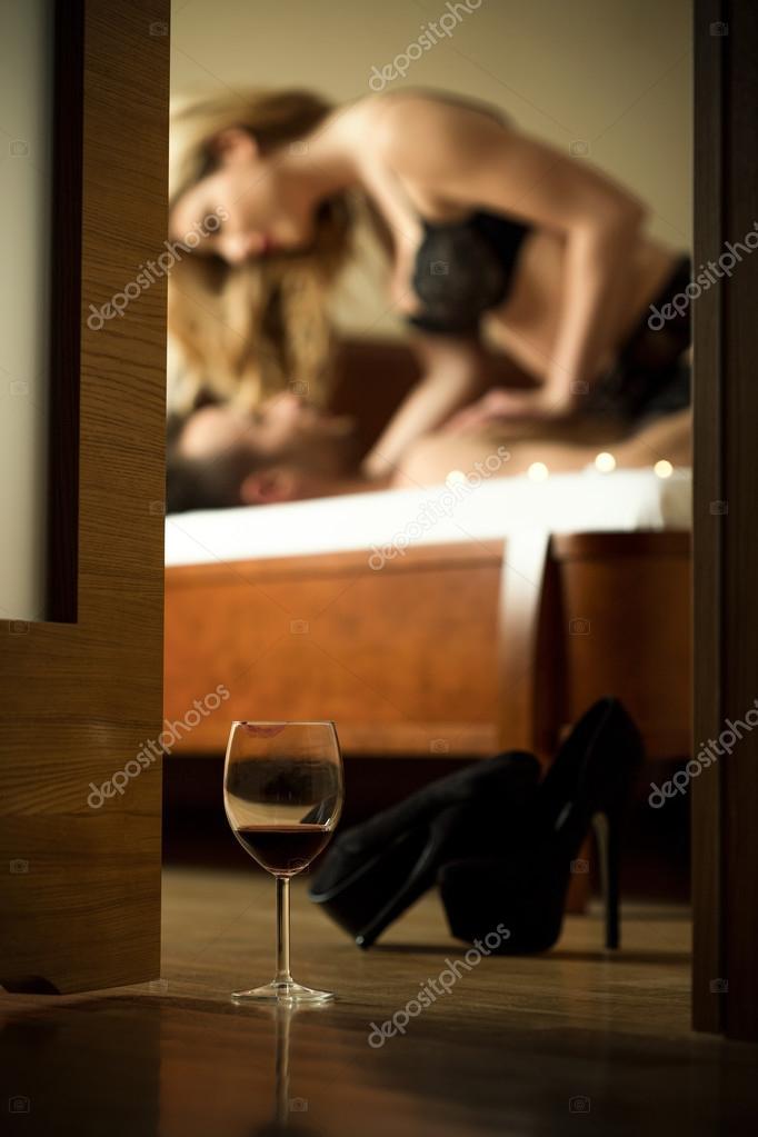 Порно после бокала вина