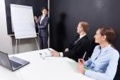 Obchodní jednání v kanceláři — Stock fotografie