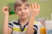 Child and fresh fruit — Stock Photo