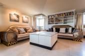 Uitstekende woonkamer in barokke stijl — Stockfoto