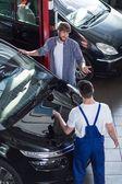Motor vehicle service — Stock Photo