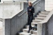 Running down the stairs — Stock Photo