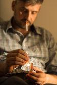 Man beroende av cigarett — Stockfoto