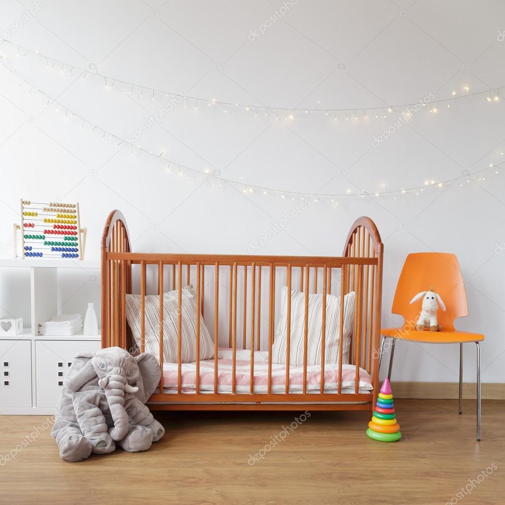 Camera bambino con presepe in legno — Foto Stock © photographee.eu ...