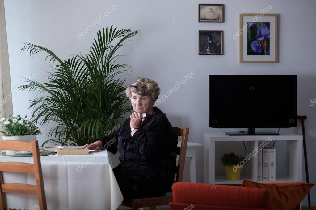 Одинокие женщины дома фото фото 783-769
