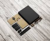 Set of stationery elements on wood background — Foto Stock