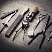 Vintage tools of a barber — Stock Photo