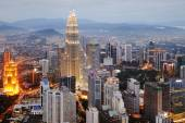 Aerial view of Kuala Lumpur at nightfall — Stock Photo