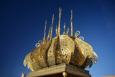 Morocco. Gilded lamp in the Mausoleum of Mohammed V in Rabat — Stock Photo