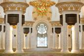 Interior of Sheikh Zayed mosque in Abu-Dhabi — Stock Photo