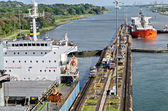 Passing ships in the Panama Canal — Stock Photo