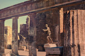 Apollo Temple and Mount Vesuvius in the background, Pompeii — Stock Photo