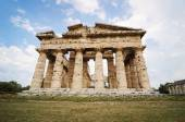 Temple of Neptune the famous Paestum archaeological  site in Ita — Stock Photo