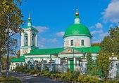 Kerk van de heilige drie-eenheid op de Mussenheuvels in Moskou — Stockfoto