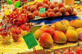 BARCELONA, SPAIN - JUNE 14, 2014: Fruit  stall in Mercat de Sant — Stock Photo