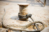 Rope moored to the pier — Stock Photo