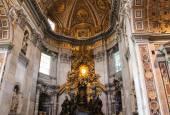 Vatican - 25 września: Wnętrze bazyliki Saint Peters wrzesień — Zdjęcie stockowe