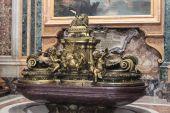 Ватикан - 25 сентября: Интерьер Сэйнт Питерс базилики Сен — Стоковое фото