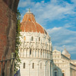 Leaning tower, Baptistery and Duomo, Piazza dei miracoli, Pisa, — Stock Photo #67771053