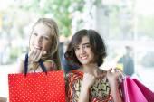 Gorgeus girls going shopping — ストック写真