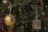 Adornos de árbol de navidad. — Foto de Stock