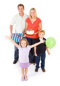 Family: Family Ready To Celebrate Birthday — Стоковое фото