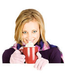 Winter: Woman Drinking Coffee To Keep Warm — Stockfoto