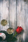 Valentine: Single Rose And Glasses Of Champage — Stock fotografie