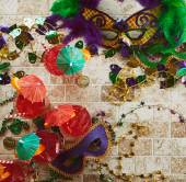 Mardi Gras: Party Masks And Hurricane Cocktails — ストック写真