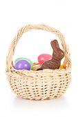 Easter: Easter Basket With Chocolate Bunny And Plastic Eggs — Stock fotografie