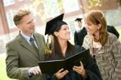 Graduation: Family Proud of Daughter — Zdjęcie stockowe