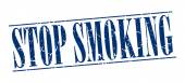 Stop smoking blue grunge vintage stamp isolated on white background — Cтоковый вектор