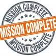 Mission complete round orange grungy vintage isolated stamp — Cтоковый вектор #77874718