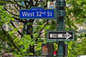 West 32nd street sign, New York City — Stock Photo