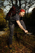 Man enjoying freedom of trek in autumn nature — Stock Photo